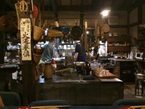 たくさんの道具が心地よく並ぶ台所。