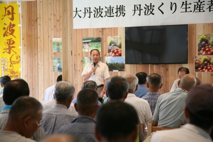 ゆめの樹野上野 代表取締役は、野上野地区自治会長の上山義英さんです。